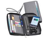 Reisemappe aus Kunstleder mit integrierter Powerbank